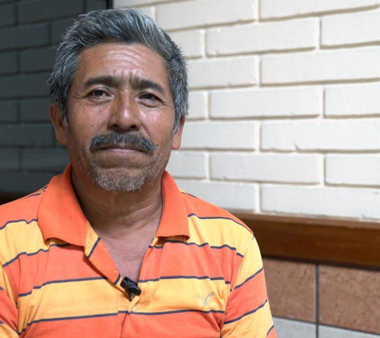 """""""Estoy agradecido con Dios, porque solo Él puede realizar estos milagros"""", manifestó Ignacio López. (Foto Prensa Libre: Cortesía de Víctor Farfán)"""