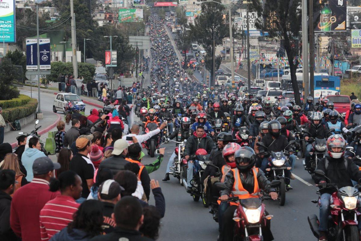Miles de motociclistas participaron en la Caravana del Zorro 2018. (Foto Prensa Libre: Álvaro Interiano)
