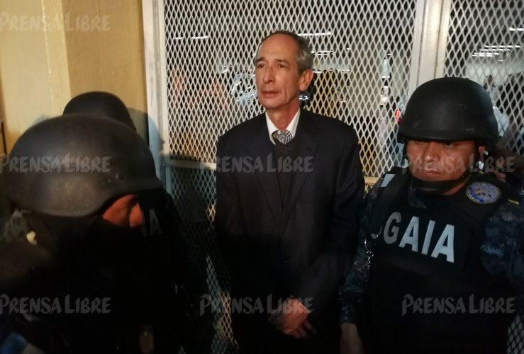 El ex presidente de Guatemala junto a varios ex funcionarios de su gobierno fueron detenidos esta mañana por el caso Transurbano.