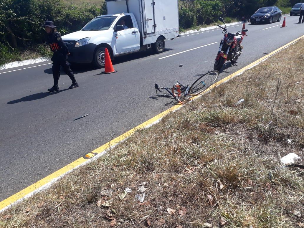 La bicicleta en la que se conducía Manuel Alonzo quedó totalmente destruída. (Foto Prensa Libre: Cortesía)
