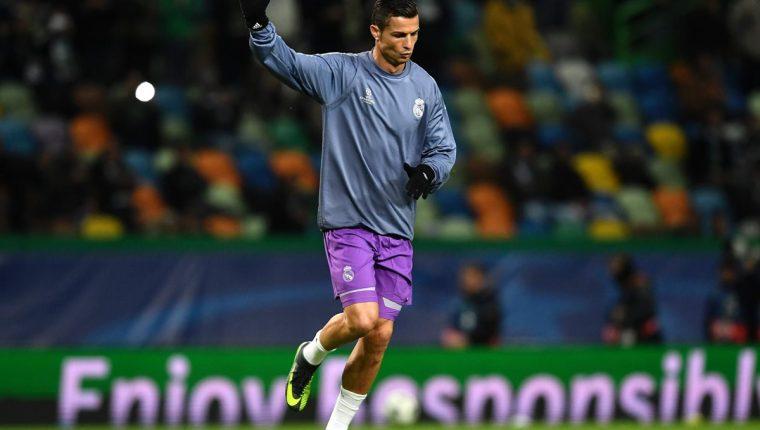 """Durante las dos horas previas al partido, los paneles electrónicos del estadio José Alvalade mostraron el mensaje """"Bienvenido a casa, Ronaldo"""", acompañado de una fotografía de un joven Cristiano con la camiseta del Sporting (Foto Prensa Libre: EFE)"""