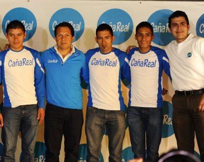 Domingo Icó, Carlos Trejo, Mario Pacay y Víctor González, integran el equipo de atletismo Caña Real. (Foto Prensa Libre: Francisco Sánchez).