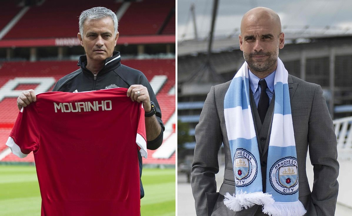 José Mourinho con el Manchester United y Pep Guardiola con el Manchester City, se enfrentan este sábado en el clásico de la ciudad en la Liga Premier Inglesa. (Foto Prensa Libre: AFP)