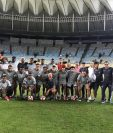 Los jugadores de la Universidad Católica deberán pasar la página para hacer un buen partido. (Foto Prensa Libre: Twitter)