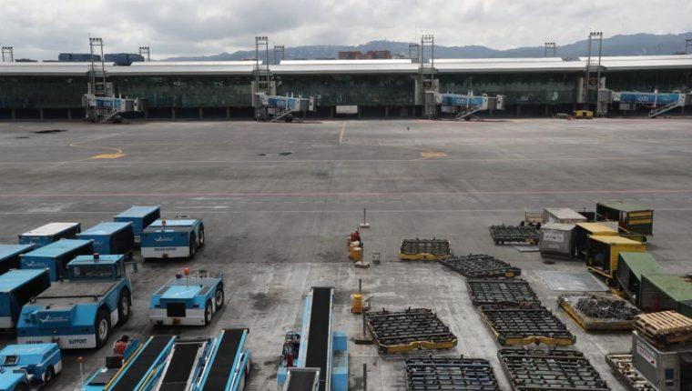 El Aeropuerto Internacional La Aurora es uno de las terminales que debe administrar la DGAC. (Foto Prensa Libre: Érick Ávila)