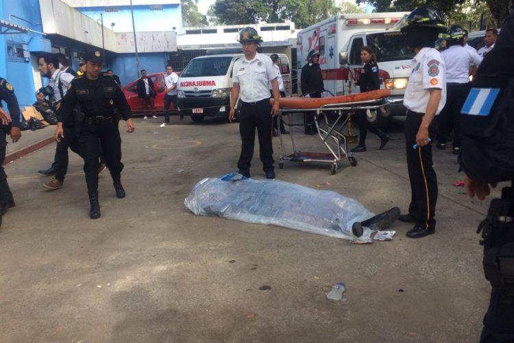 Según las autoridades el ataque podría deberse a un rescate de un pandillero.