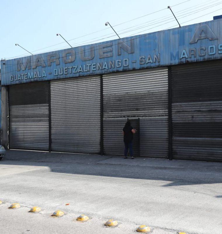 Las oficinas de la empresa de transporte Marquensita en la capital permanecen cerradas. (Foto Prensa Libre: Érick Ávila)