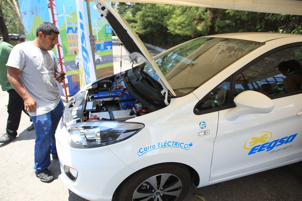 Promueven uso de vehículos y bicicletas eléctricas