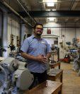 Juan Carlos Noguera diseñó la primera impresora 3D que imprime circuitos electrónicos. (Foto Prensa Libre: Juan Carlos Noguera)
