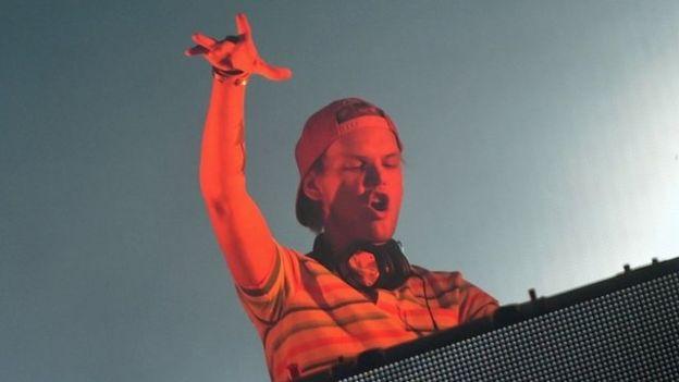 Tras conocerse la noticia, compañeros de profesión y artistas de todas partes del mundo no tardaron en expresar su cariño por el DJ.