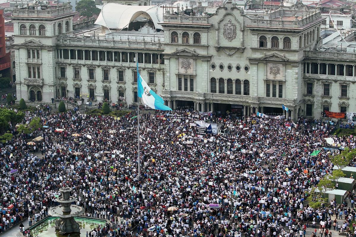 Amparo protegió a manifestantes en la plaza