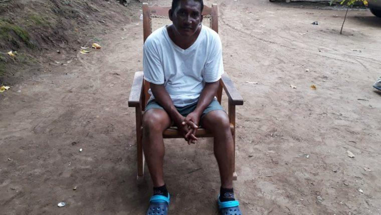 Esdras Esaú Reyes Solís estuvo más de 10 horas en el mar, luego de haber sido arrastrado por el río Naranjo. (Foto Prensa Libre: Whitmer Barrera)