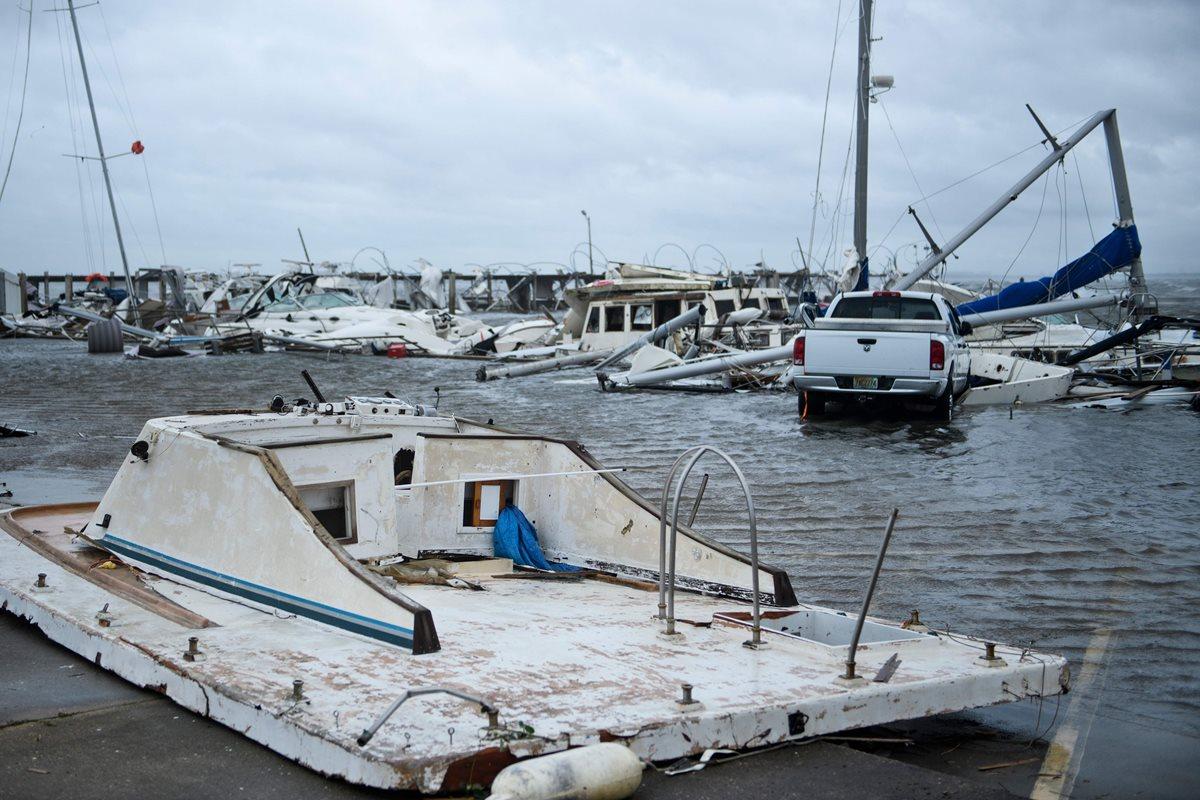 El huracán Michael dejó cuantiosos daños a su paso por Florida. (Foto Prensa Libre: AFP)