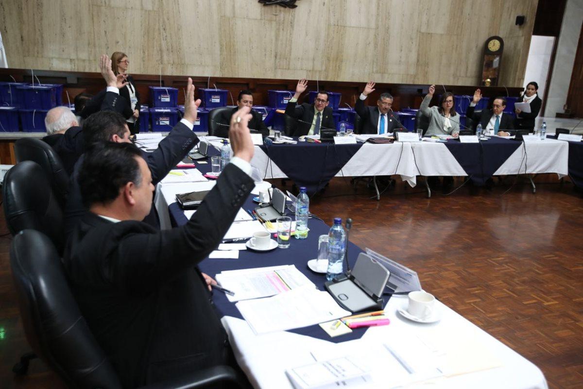 La Comisión de Postulación revisará las pruebas de descargo de los candidatos que fueron excluidos de la lista. (Foto Prensa Libre: Paulo Raquec)