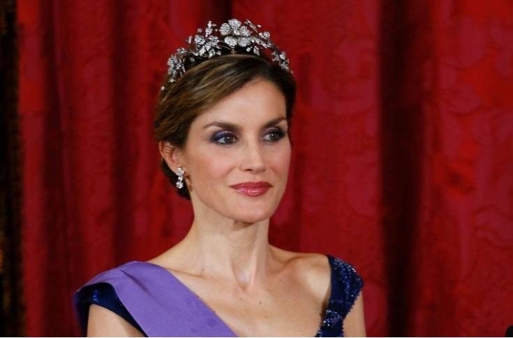 Letizia Ortiz contrajo matrimonio con Felipe VI el 22 de mayo del 2004 en la Catedral de Madrid, España, y actualmente tienen dos hijas: las infantas Leonor (2005) y Sofía (2007). (Foto Prensa Libre: EFE)