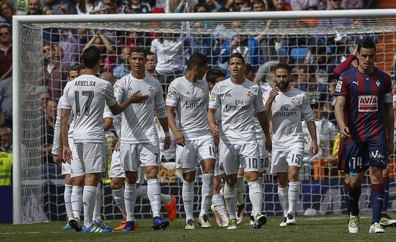 El Real Madrid lució contundente esta mañana en el Bernabéu. (Foto Prensa Libre: AFP)