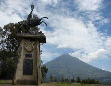 Monumento a Santiago Apóstol en el Cerro de la Cruz, Antigua Guatemala. (Foto: Hemeroteca PL)