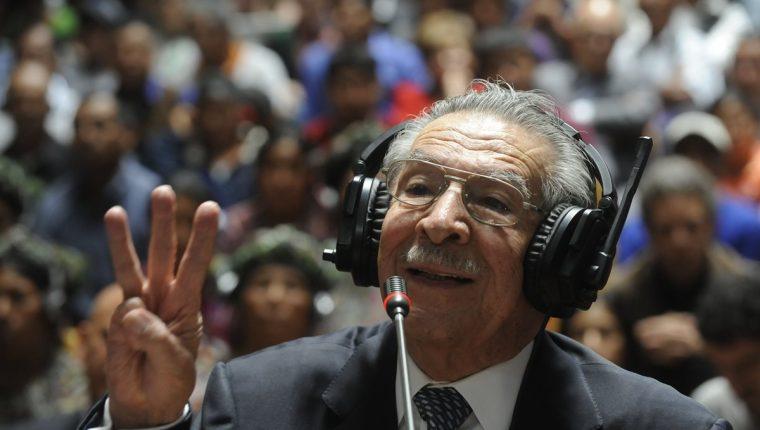 José Efraín Ríos Montt declaró dos días antes de la sentencia durante 51 minutos y 30 segundos ante el Tribunal Primero de Mayor Riesgo A, y manifestó su inocencia. (Foto Prensa Libre: Hemeroteca PL)