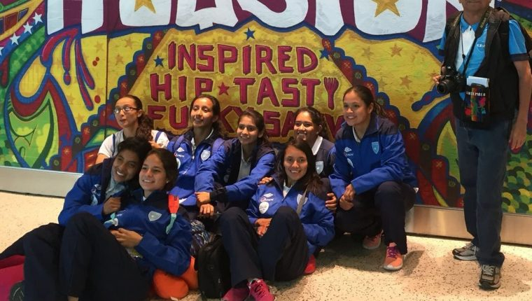 La Selección Femenina viajó este martes a Estados Unidos, donde disputará el Preolímpico. (Foto Cortesía ACD).