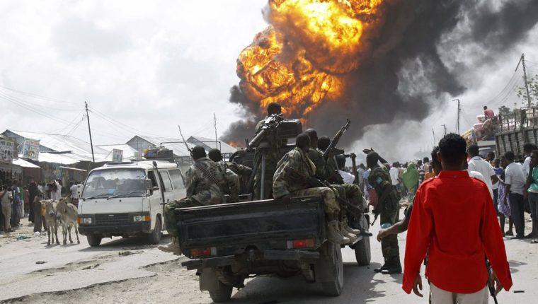 <em>Imagen referencial. Hombres armados irrumpieron en un hotel de Mogadiscio, capital de Somalia. (Foto Hemeroteca PL).</em>
