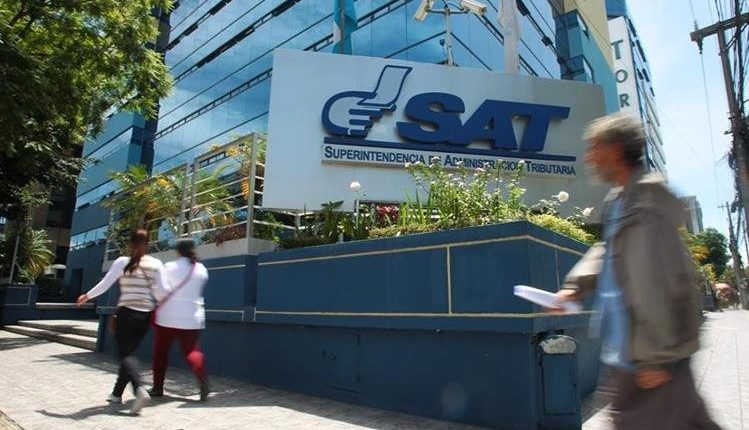 La SAT comenzará el próximo año un proceso de fiscalización para penalizar a contribuyentes que reportaron en sus declaraciones facturas falsas. (Foto: Hemeroteca PL)