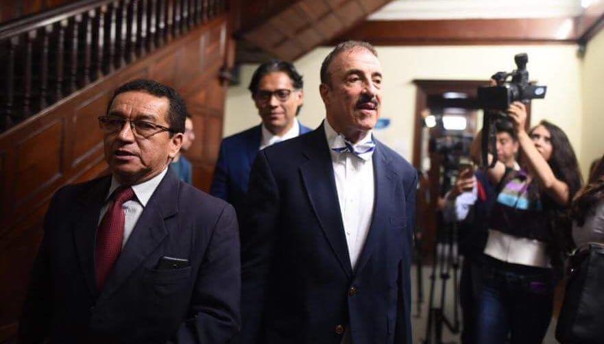 Diputado Linares-Beltranena busca reconciliación en caso de discriminación