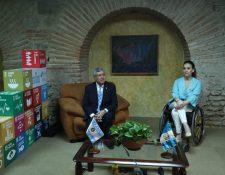 El vicepresidente Jafeth Cabrera y la vicepresidenta de Argentina, Gabriela Michetti, sostuvieron una reunión en el marco de la 26 Cumbre Iberoamericana. (Foto Prensa Libre: Esbin García)