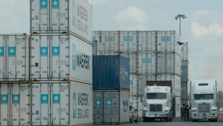 Aún hay casos individuales que operan en el servicio aduanero al margen de la ley, reveló el exjefe de la SAT, Juan Francisco Solórzano Foppa. (Foto Prensa Libre: Hemeroteca)