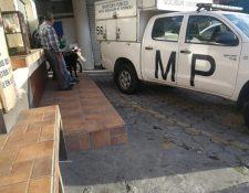 El robo al banco en la colonia Atlántida, zona 18, sucedió el 25 de agosto del 2018. Se llevaron Q800 mil. (Foto Prensa Libre: Hemeroteca)