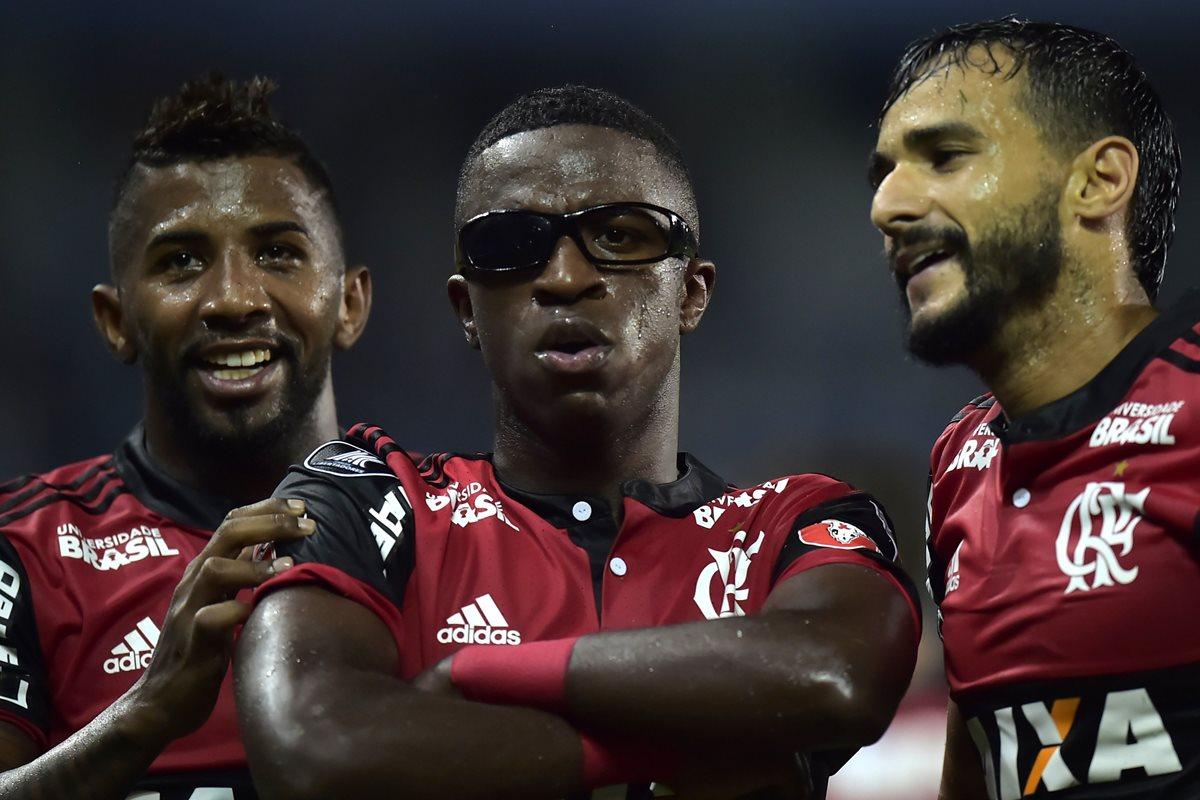 El delantero del Flamengo se lució anoche en el duelo de Copa Libertadores frente al Emelec. (Foto Prensa Libre: AFP)
