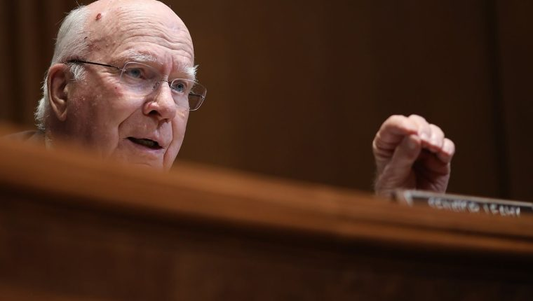 El senador Patrick Leahy durante una audiencia en el Senado de EE. UU., el pasado 8 de mayo. (Foto Prensa Libre: AFP).