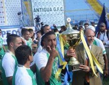 El costarricense Manfred Russell fue uno de los pilares para que Antigua GFC conquistara su segunda corona en el futbol guatemalteco (Foto Prensa Libre: Edwin Fajardo)