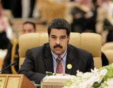 Maduro es acusado de perpetrar crímenes de lesa humanidad, como homicidios y torturas. (Foto Prensa Libre: AFP).