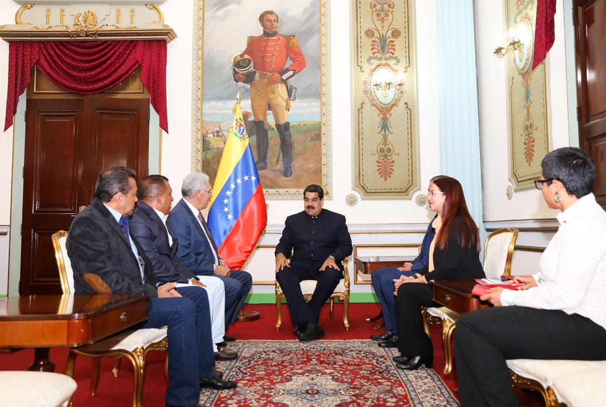Maduro afianza su poder sobre una oposición fracturada
