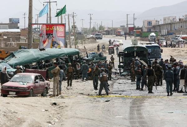 Mueren 38 en doble atentado suicida en Kabul