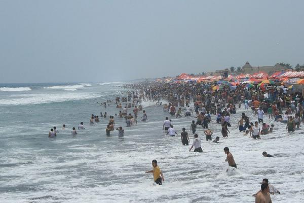 Puerto San José es el sitio más concurrido por visitantes durante  Semana Santa.