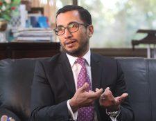 Evelio Alvarado, presidente de Cutrigua, dijo que en las próximas semanas se pueden resolver los inconvenientes de la falta de grúas en la EPQ. (Foto Prensa Libre: Hemeroteca)