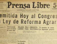 Portada del 10/05/1952 de Prensa Libre, el organismo ejecutivo trasladaba al congreso la Ley de Reforma Agraria. (Foto: Hemeroteca PL)