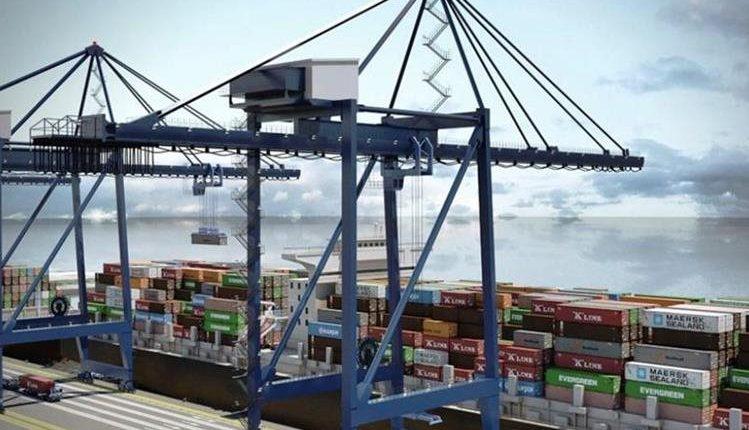 La terminal APM Quetzal mantiene un congestionamiento en sus operaciones por atender barcos celulares que son aquellos que necesitan apoyo de equipos. (Foto Prensa Libre: Hemeroteca)