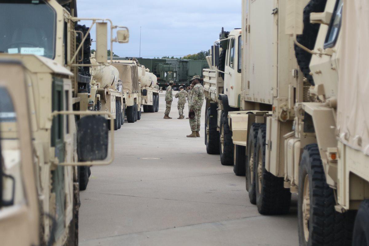 """""""No estoy infundiendo temor para nada"""": Trump enviará 15 mil militares a la frontera por caravana de migrantes"""