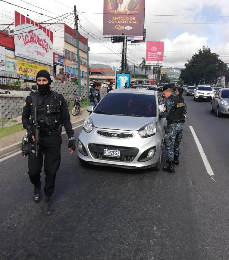 Esta semana se han efectuado operativos en la calzada Roosevelt(Prensa Libre: PNC)