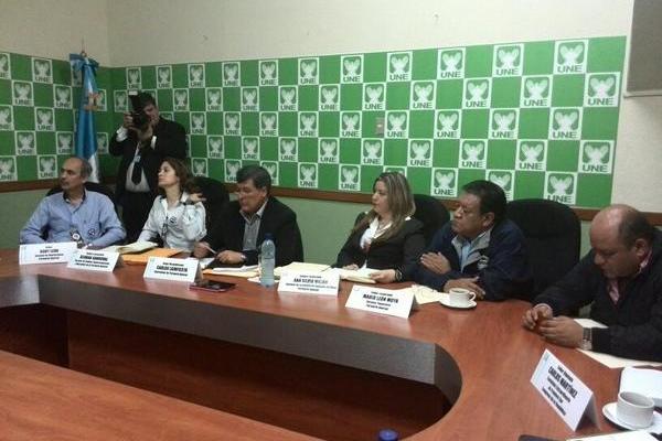Interventor Carlos Lainfiesta acude a citación de la UNE. (Foto Prensa Libre: Alex Rojas