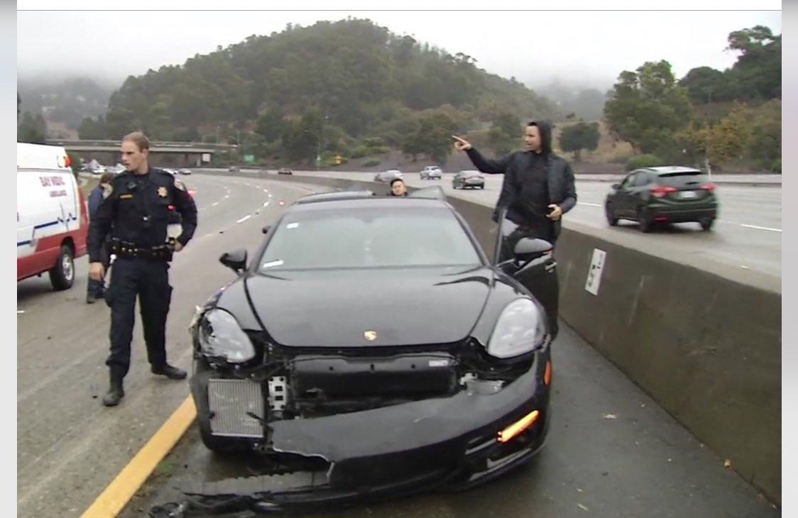 Stephen Curry pasó un susto pero no sufrió lesiones. (Foto Prensa Libre: Twitter)