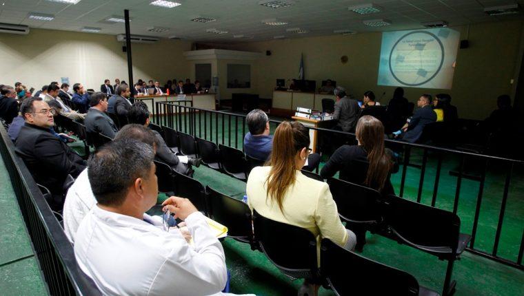 Sindicados en el caso Negociantes de la Salud durante una audiencia el pasado 3 de julio. (Foto Prensa Libre: Hemeroteca PL).