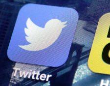 La red social Twitter anunció que eliminará empleos dentro de un plan de reestructuración. (Foto Prensa Libre: AP)