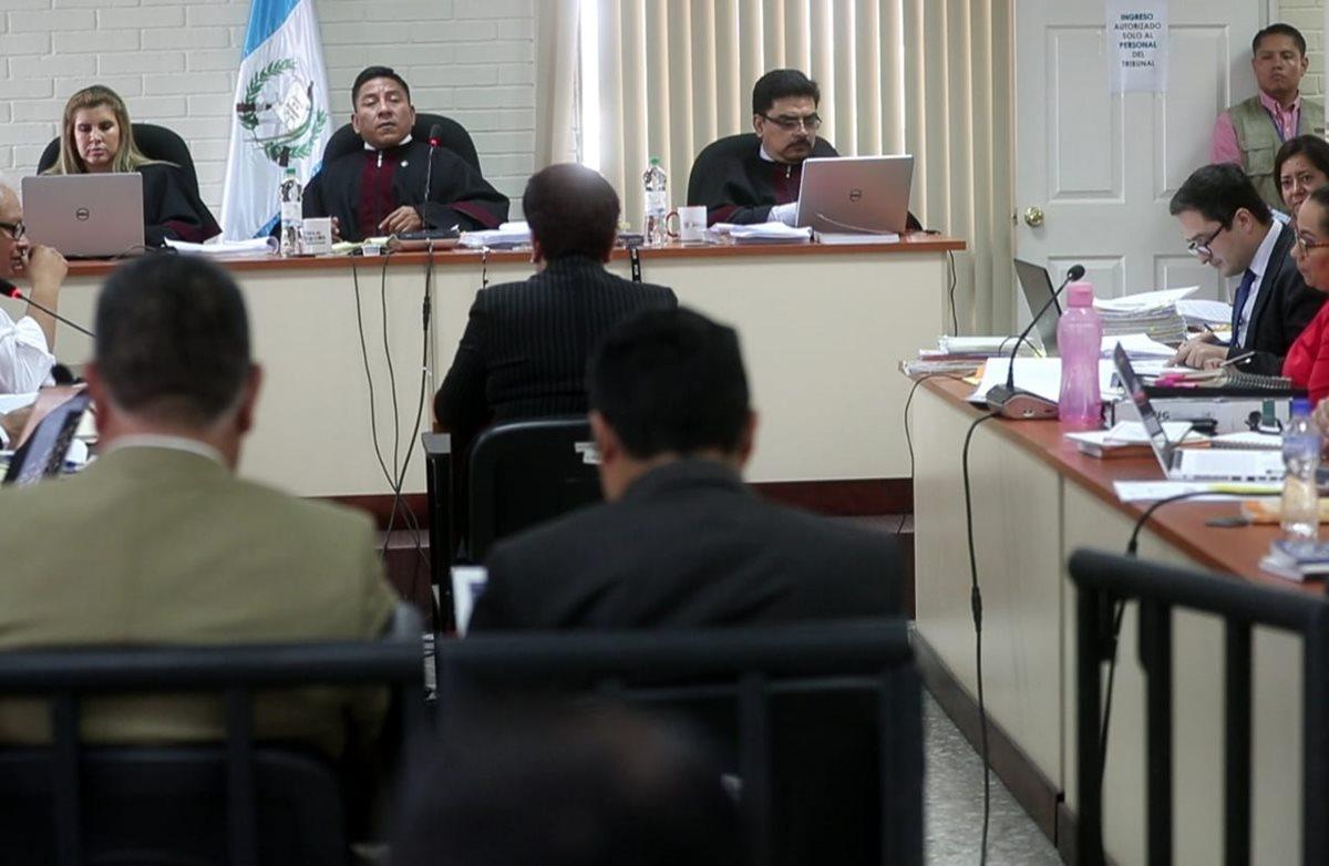 La perito Mabel Mota Maldonado declaró en el juicio contra la exvicepresidenta Roxana Baldetti por el fraude conocido como Agua Mágica. (Foto Prensa Libre: Érick Ávila)