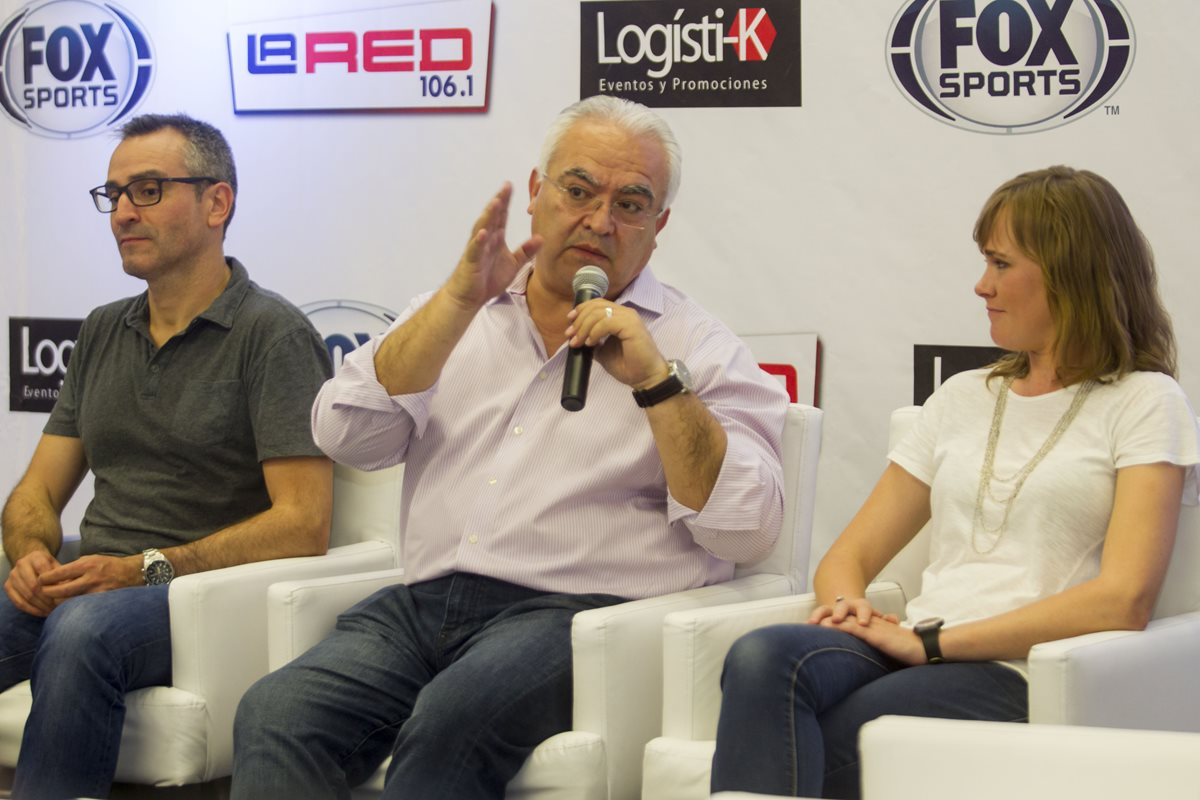 """Tapia: """"Deberían salir más jugadores como Carlos Ruiz"""""""