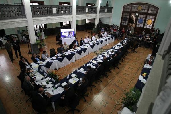 Comisión de Postulación reanuda votación. (Foto Prensa Libre: Paulo Raquec)