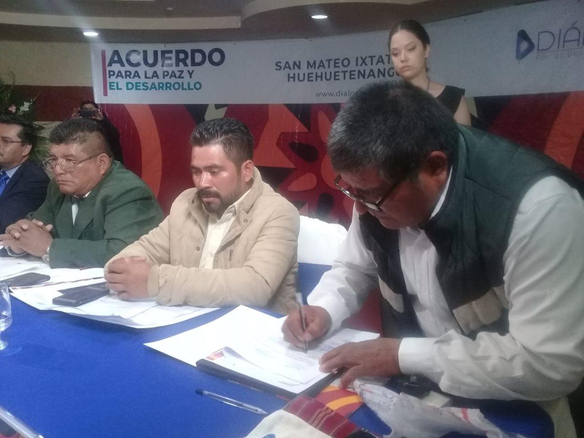 Firman acuerdo para la paz en San Mateo Ixtatán