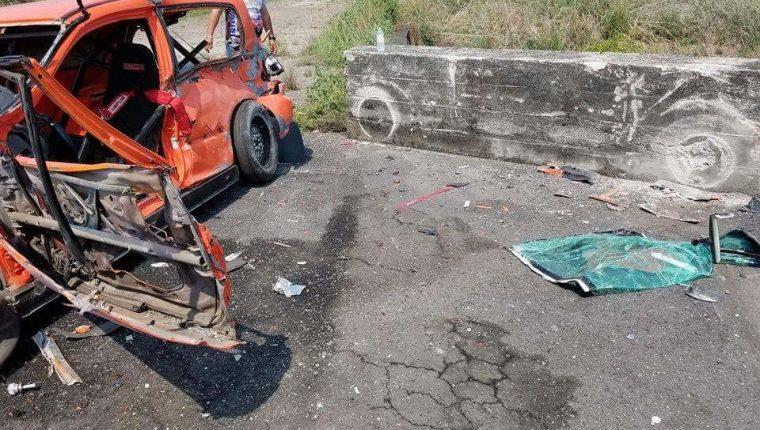 Así quedó el vehículo del piloto salvadoreño Ricardo Barahona, quien falleció este domingo en la pista Guatemala Raceway. (Foto Prensa Libre: cortesía Carlos Pineda)